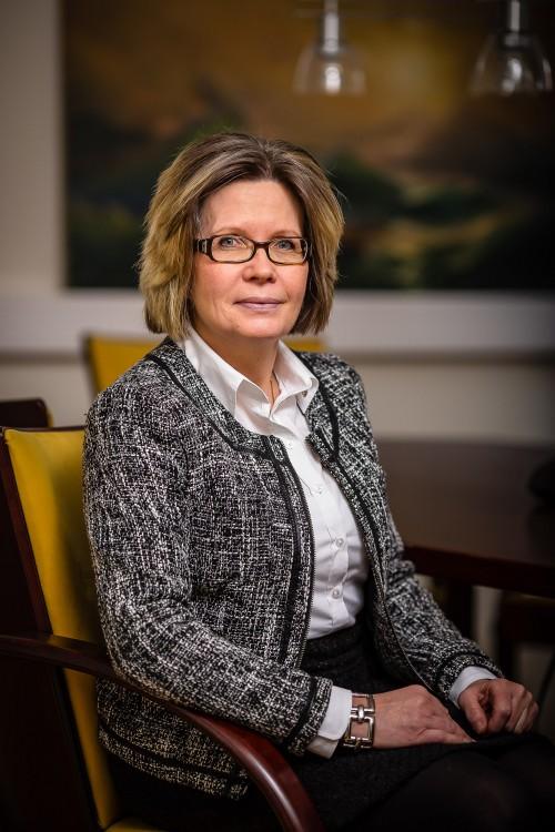 Eva Hilmer, Senior lawyer